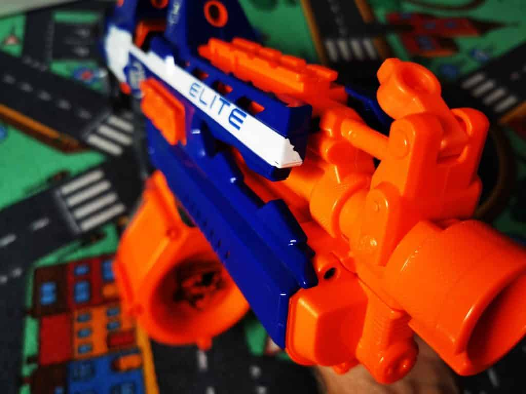 NERF toy weapons 008