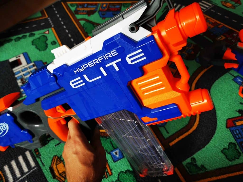 NERF toy weapons 011