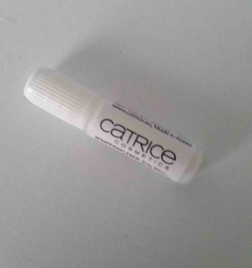 Künstliche Wimpern kleben und pflegen | Catrice Single Lashes