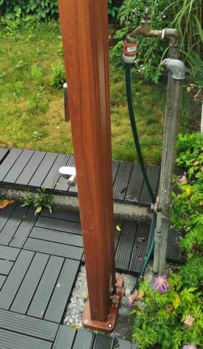 Ducha solar conexión de aluminio