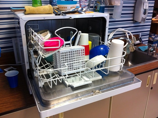 Table dishwasher | Mini dishwasher for small kitchens, garden or camping - guide